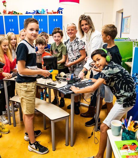 Afgedankte mobieltjes, toetsenborden en föhns krijgen een tweede leven en deze scholieren uit Diepenveen scoren er punten mee