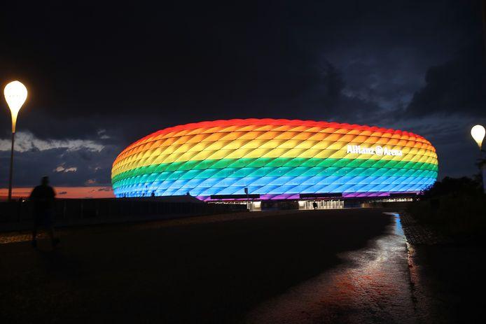 De Allianz Arena in München was in juli 2020 al eens verlicht in de regenboogkleuren ter ere van de  LGBTQ-gemeenschap. Hongarije komt er woensdag spelen.
