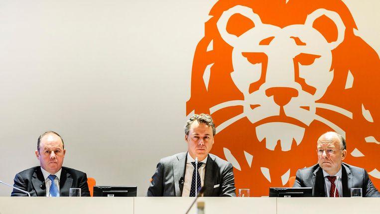 ING-topman Ralph Hamers (midden) verdient straks meer dan 3 miljoen euro. Beeld ANP