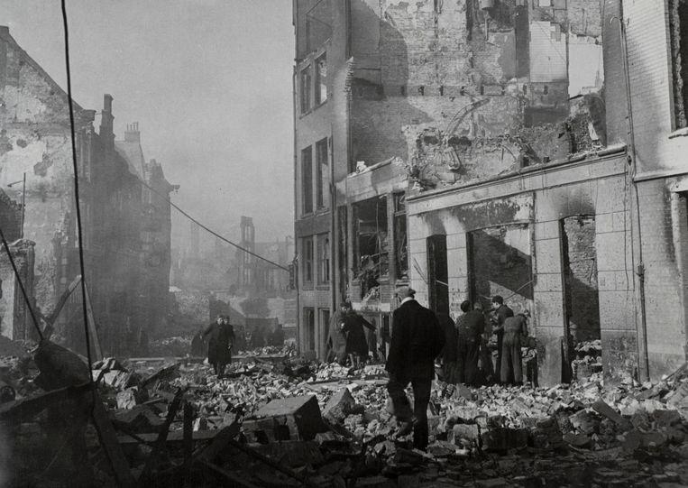 Een beeld van de verwoestingen van de binnenstad van Nijmegen door een bombardement van de Amerikaanse luchtmacht, die in veronderstelling waren de stad Kleef te bombarderen.  Beeld Nationaal Archief/Collectie Spaarnestad/Fotograaf onbekend
