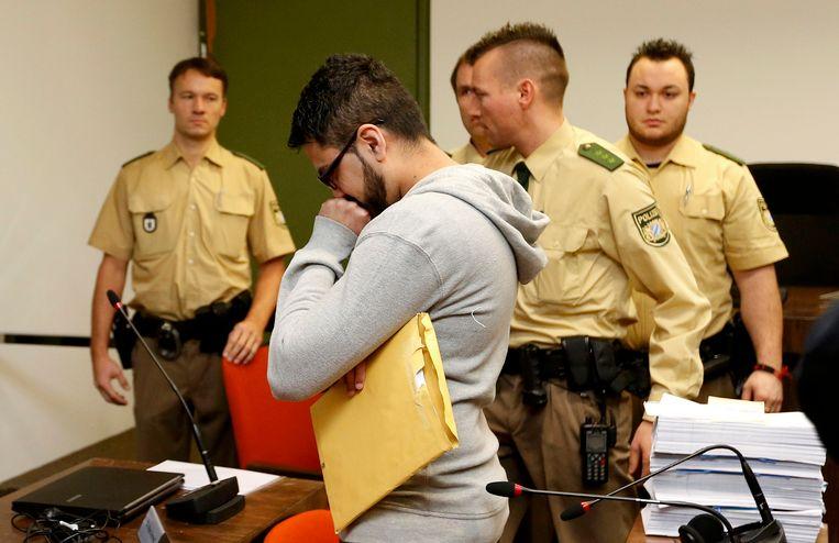 Een vermeende jihadganger staat voor de rechter in Duitsland. Beeld REUTERS