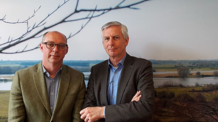 Sjirk Bijma en Leo Zwinkels van de ondernemersclubs WOC en W12 in Wageningen