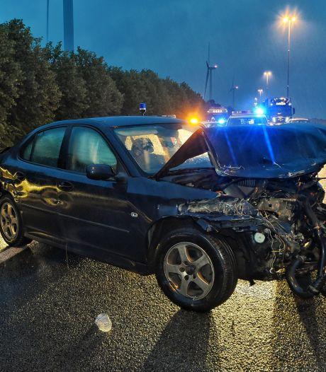 Auto crasht tijdens achtervolging over A58 bij Moergestel