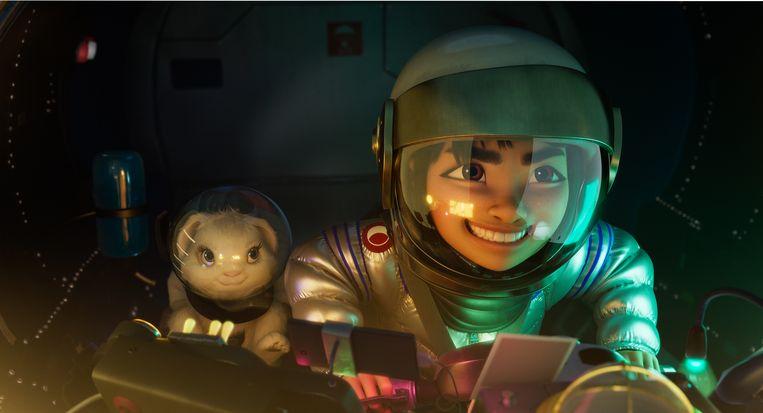 Fei Fei in haar raket in 'Over the Moon'. Beeld Netflix