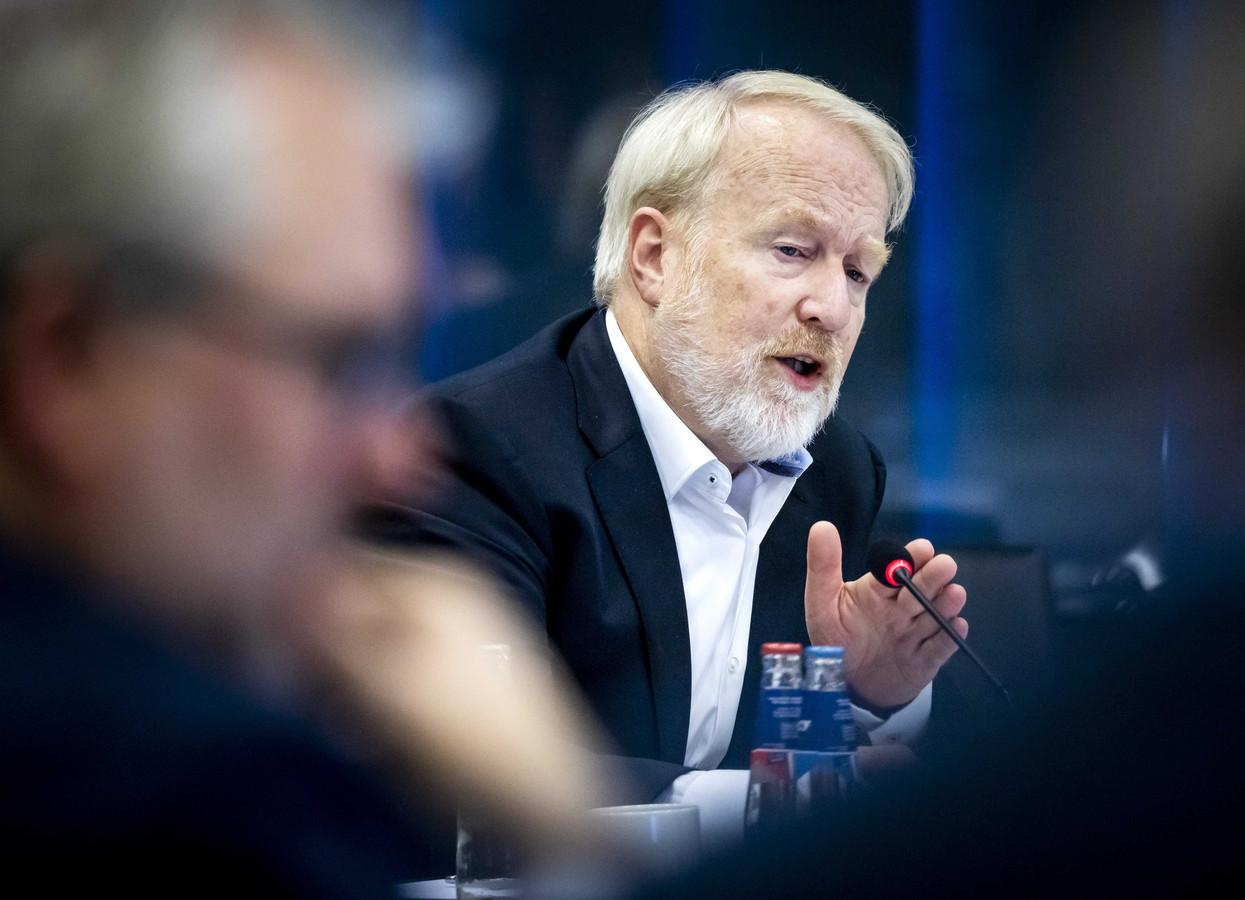 Jaap van Dissel, directeur RIVM, tijdens een technische briefing in de Tweede Kamer.