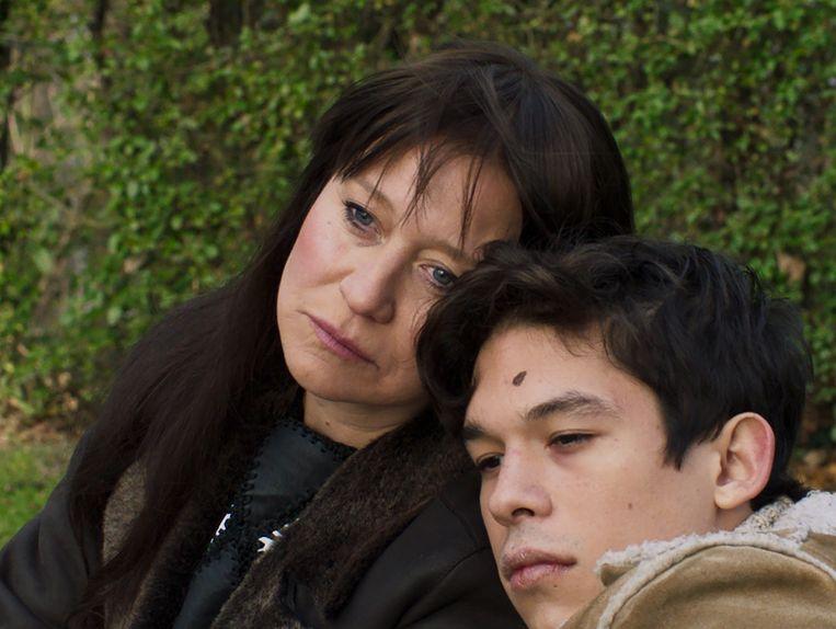 De film focust sterk op Nico als moeder, een rol waarmee ze erg worstelde.  Beeld RV