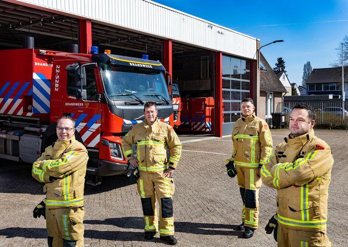 Brandweermannen uit Deurne die als eerste bij de Peelbrand kwamen, nu een jaar geleden: Lawrence Jacobs, Dirk Keunen, Luc Naus en Roel Keunen (vlnr).
