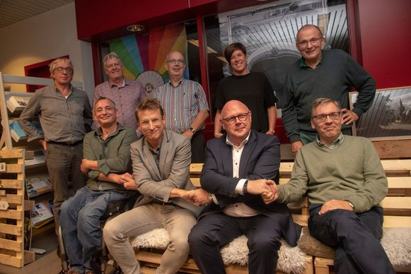 Kopmannen Jan Tondeleir (sp.a), Robbe De Wilde (Groen&Co), Alain Pardaen (CD&V) en Herman Strobbe (Eén Wetteren) sloten op de avond van de verkiezingen een bestuursakkoord.