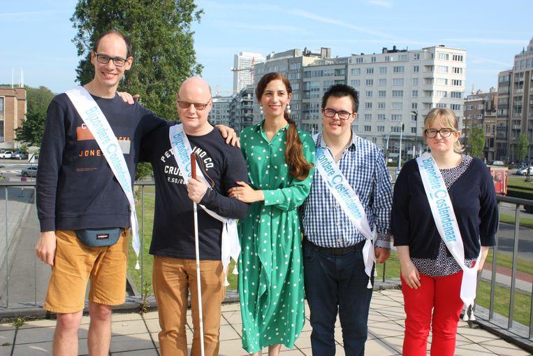 Niels Dewulf, Christophe Hubrechsen, schepen Hina Bhatti, Jamie Van Kerschaver en Stephie Seghers