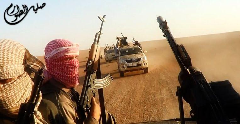Buitenlandse jihadisten moeten brute opdrachten uitvoeren om hun loyaliteit te tonen aan IS. Beeld afp