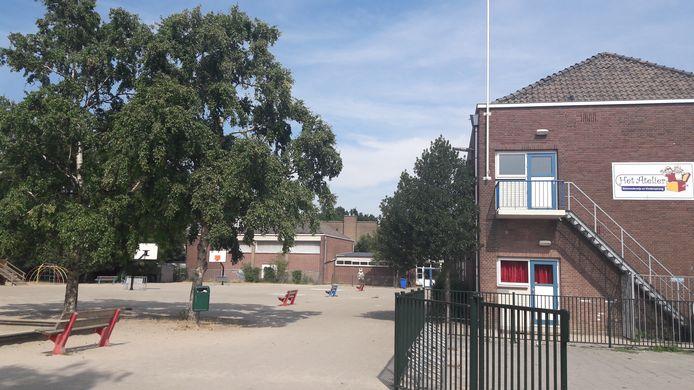 Basisschool Het Atelier aan de Assendorperdijk.