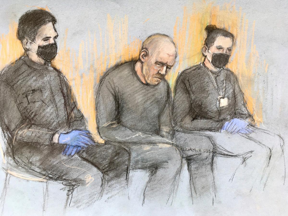 Verdachte Wayne Couzens tijdens de voorgeleiding aan de rechter.