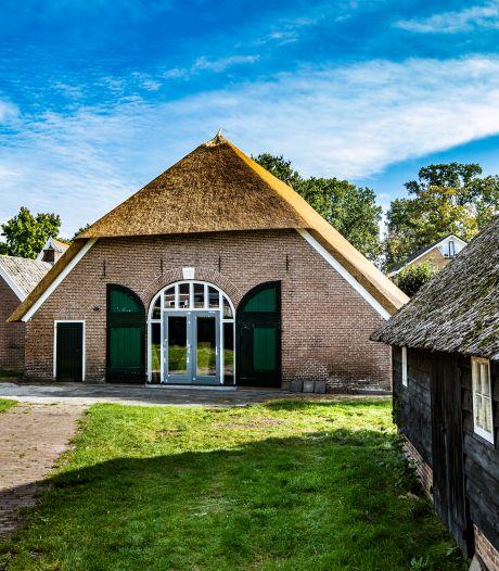 Hoewel restauratie Strunk af is, moet nieuwbouwschuur voor het échte 'dorpshuisgevoel' zorgen