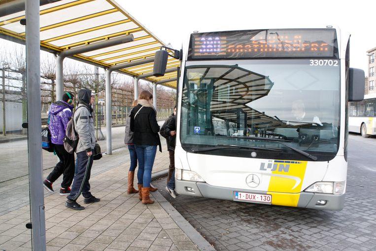 Inwoners van de kleinste deelgemeenten Attenrode en Zuurbemde krijgt een degelijk busvervoer.