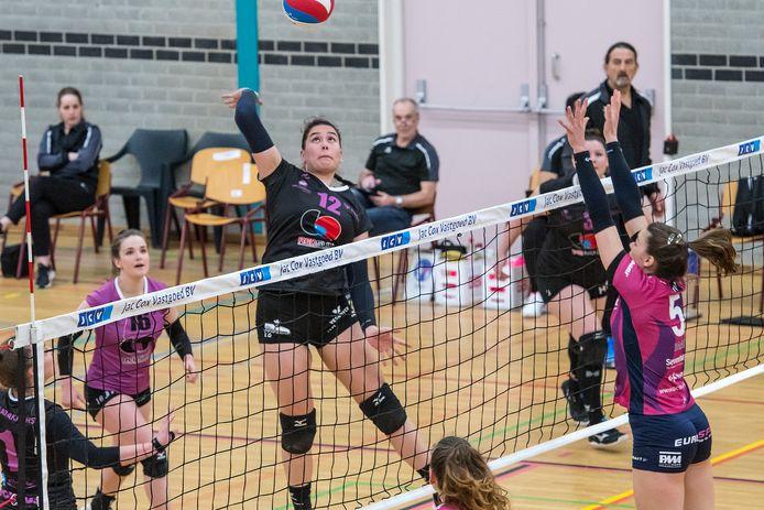 FAST heeft van de volleybalbond vanwege coronabesmettingen verplicht vrijaf gekregen.