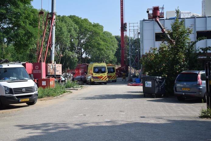 De ambulance, de brandweer en een traumahelikopter kwamen ter plaatse.