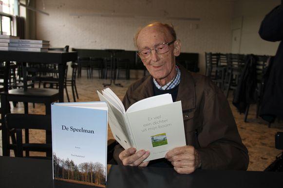 Archiefbeeld - Paul Baekeland bij de persvoorstelling van zijn twee laatste publicaties 'De Speelman' en 'Er viel een dichter uit mijn boom' eerder deze maand.