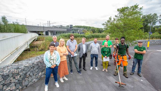 """ProNatura onderhoudt voortaan stationsomgeving: """"Biodiversiteit in deze groene verbinding verhogen"""""""