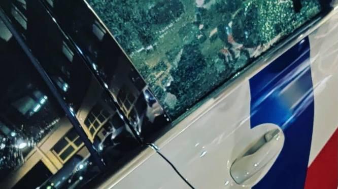 Vlam slaat in de pan bij Utrechtse kermis: politie bekogeld met stenen, dienstwagens vernield