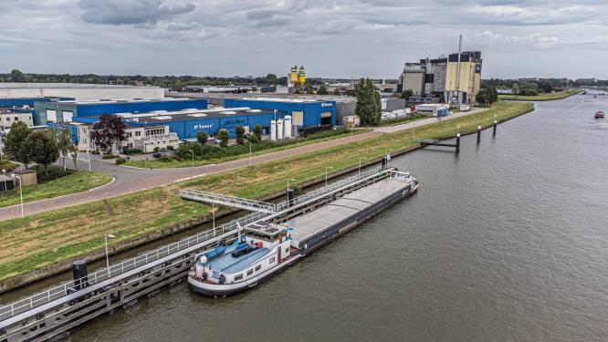 Vijf vragen over Zwols gifschip Imatra, dat weigert te vertrekken: 'Schippers hebben al genoeg risico gelopen'