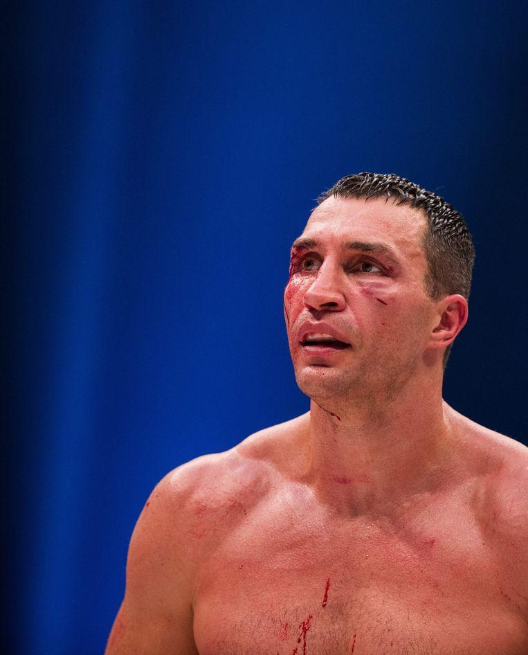 Klitschko liet na zijn verloren wedstrijd weten gebruik te maken van de optie in zijn miljoenencontract van het titelgevecht om Fury uit te dagen. Beeld EPA