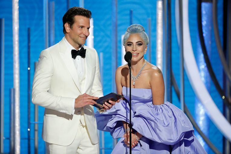 De twee mochten wel samen een award aankondigen. Beeld REUTERS