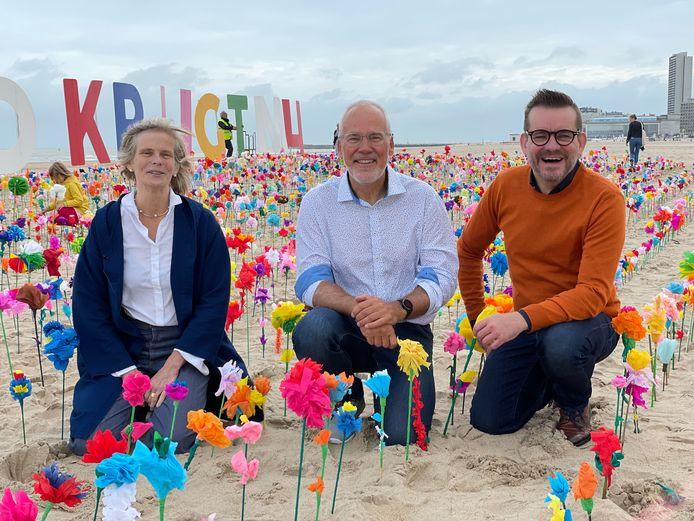 VUB rector Caroline Pauwels, schepen Bart Plasschaert en Bart Moeyaert