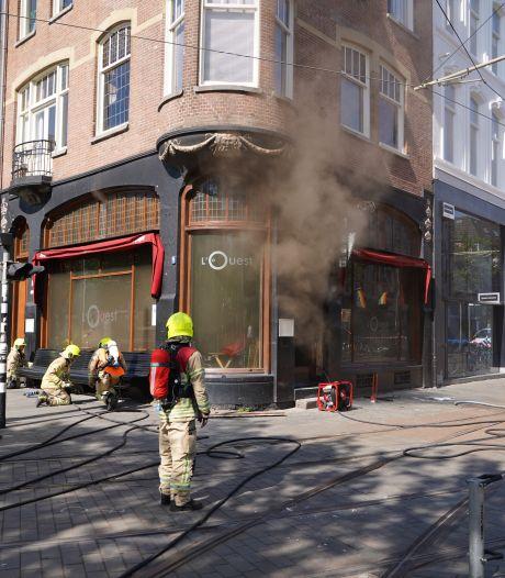 Brand bij wijnbar L'Ouest in Rotterdam-Centrum, tramverkeer tijdelijk stilgelegd
