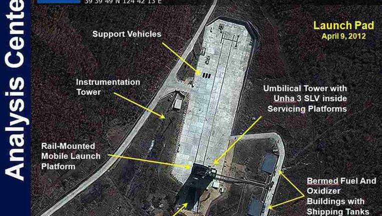 Grafische bewerking van het lanceringsplatform in Tongchang-ri, te zien op een sattelietfoto. Foto credit: DIGITALGLOBE 2012 Beeld reuters