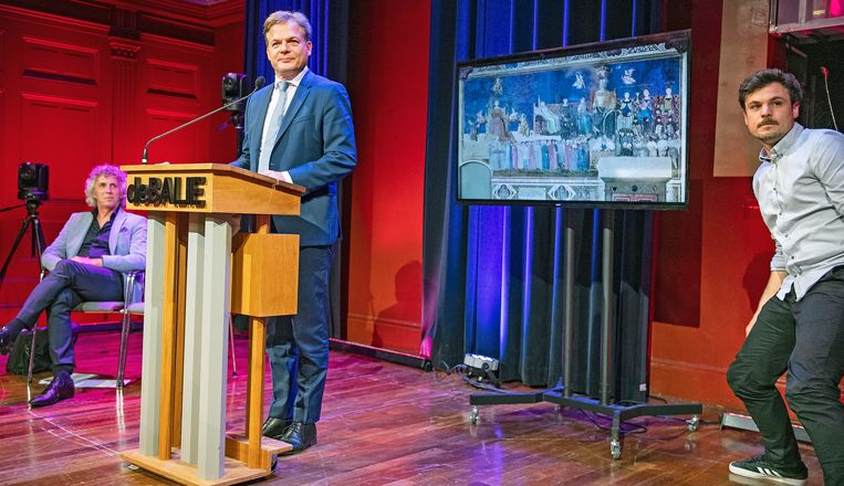 Pieter Omtzigt ontvouwt zijn politieke plannen als eenmansfractie, in de Balie, waar het programma 'Plein Publiek' wordt opgenomen. Beeld Guus Dubbelman / de Volkskrant