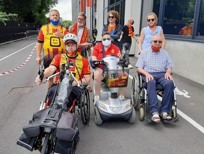 Supportersclub Yellow Red Army on Wheels was present tijdens KV Mechelens eerste match van het nieuwe voetbalseizoen.
