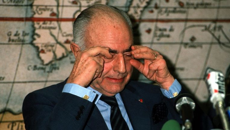 VDB op de iconische persconferentie na zijn vrijlating. Beeld PHOTO_NEWS