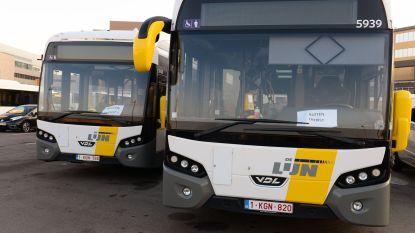 Bus moet bruusk remmen voor twee fietsers: Lijnchauffeur en passagiers naar ziekenhuis
