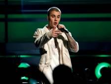 'Justin Bieber op zijn knieën voor Hailey Baldwin, ouders geven hun zegen'