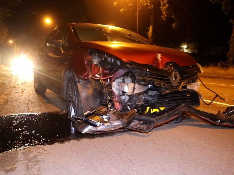 Automobilist richt ravage aan in Apeldoorn
