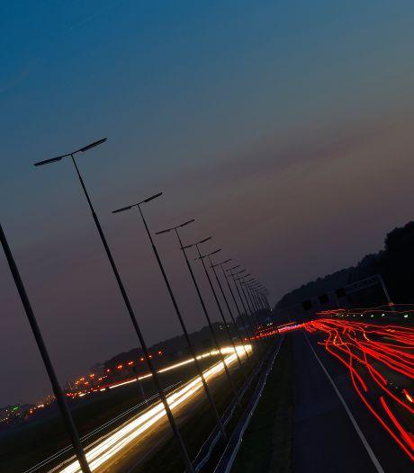 Waarom is er niet méér wegverlichting?