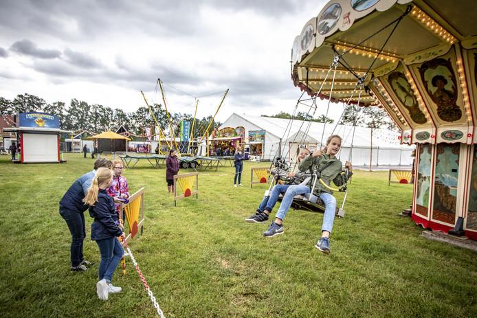 Geen kidsgames op de Pinksterfeesten in Bornerbroek, wel kermis.