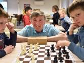 Voormalig schaaktopper Scheeren geniet van lessen aan nieuwe lichting