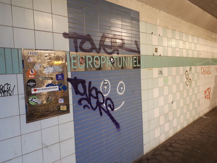 Graffiti in de Europatunnel.