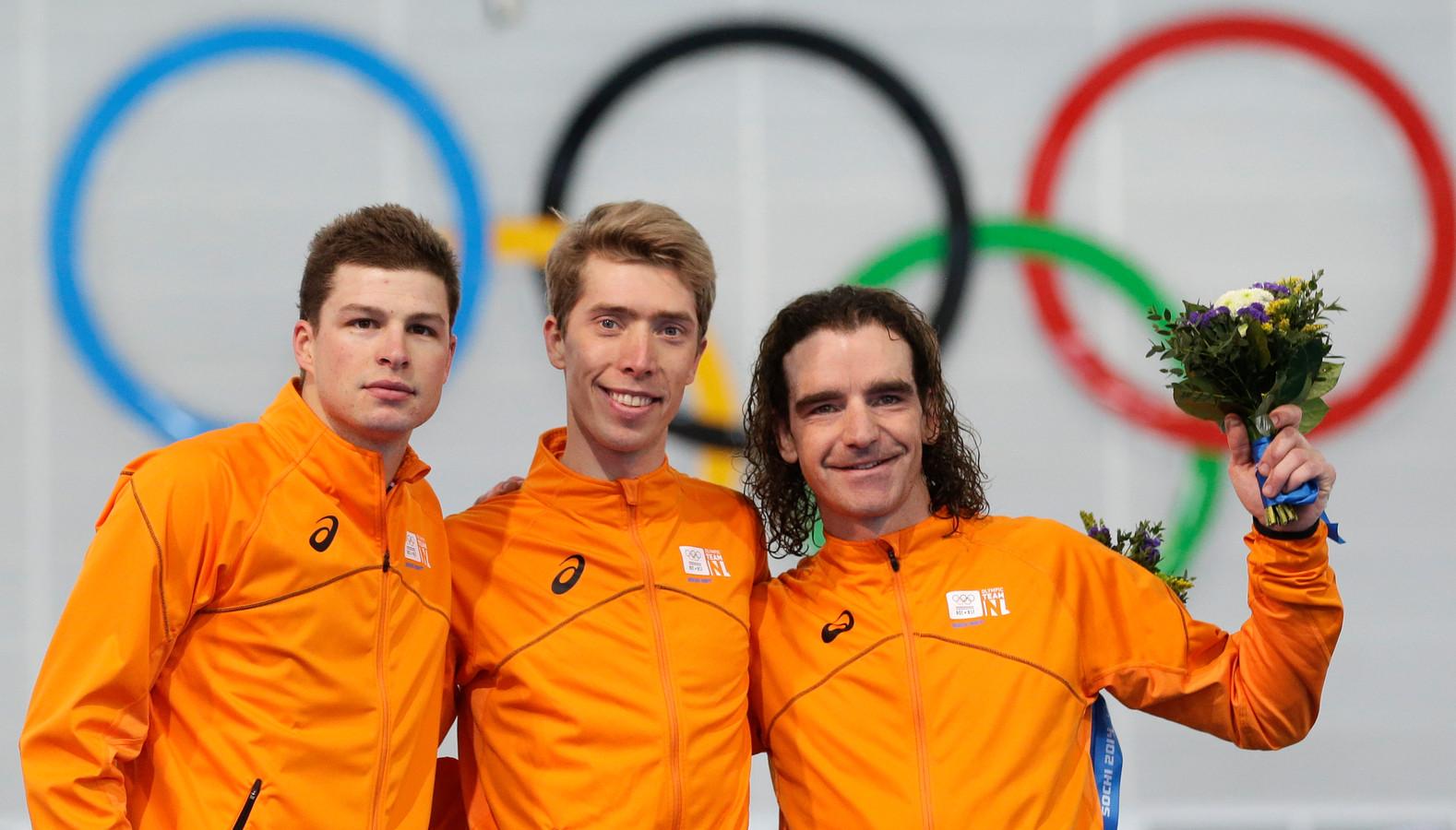Het volledig oranje podium bij de tien kilometer van Sotsji in 2014, met Sven Kramer (zilver), Jorrit Bergsma (goud) en Bob de Jong (brons).