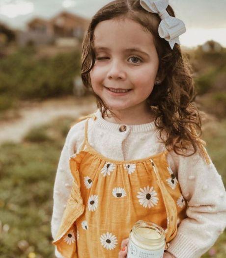 Elle découvre que sa fille est atteinte d'un cancer de l'œil en prenant une photo d'elle avec le flash