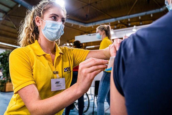 In Flevoland kan iedereen zonder afspraak een vaccinatie komen halen.