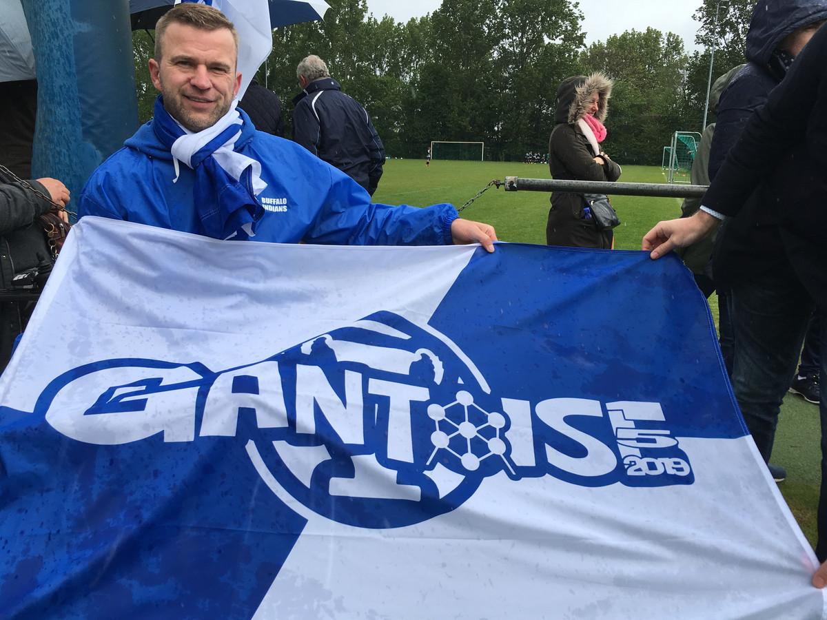 Ben De Bruyne met zijn 'cupvlag'