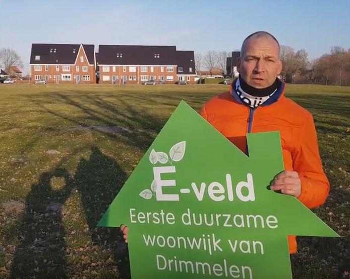 Wethouder Jan-Willem Stoop op het E-veld Terheijden.