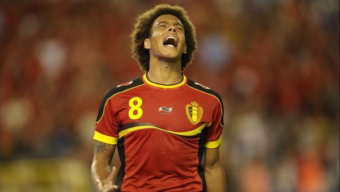 Le Zenit Saint-Pétersbourg aurait payé la clause libératoire fixée à 40 millions d'euros pour Axel Witsel à Benfica. Le même prix du transfert d'Eden Hazard à Chelsea.