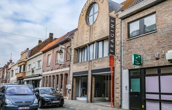 Kledingwinkel Fragine in de Harelbekestraat in Deerlijk.
