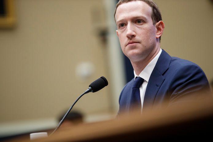 Facebook ceo Mark Zuckerberg tijdens de zitting in het Amerikaanse Congres.