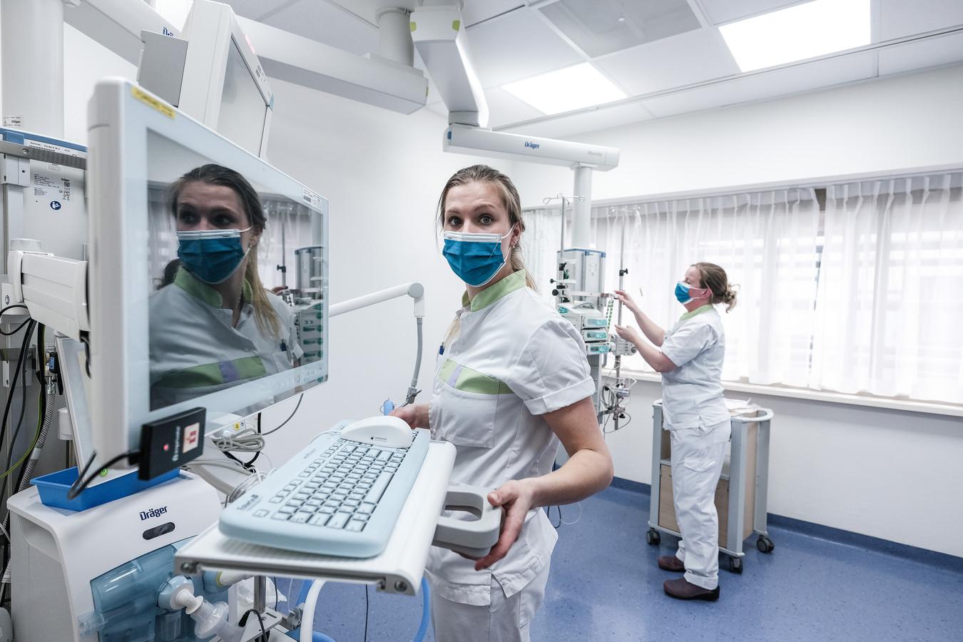 In het SKB is het aantal verpleegbedden voor coronapatiënten inmiddels teruggeschroefd van dertien naar acht en het aantal IC-bedden van vijf naar drie. Archieffoto.