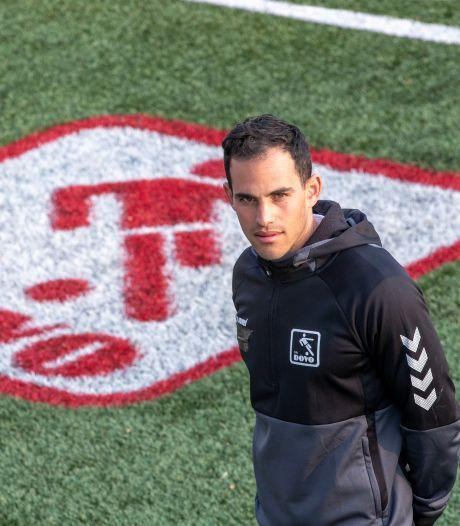 Rivillino Neslo van FC Emmen naar DOVO