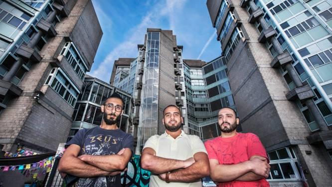 Statushouders door verhuurder geweerd uit lift: 'Ergste is dat beveiligers zomaar onze kamers doorzoeken, ook 's nachts'